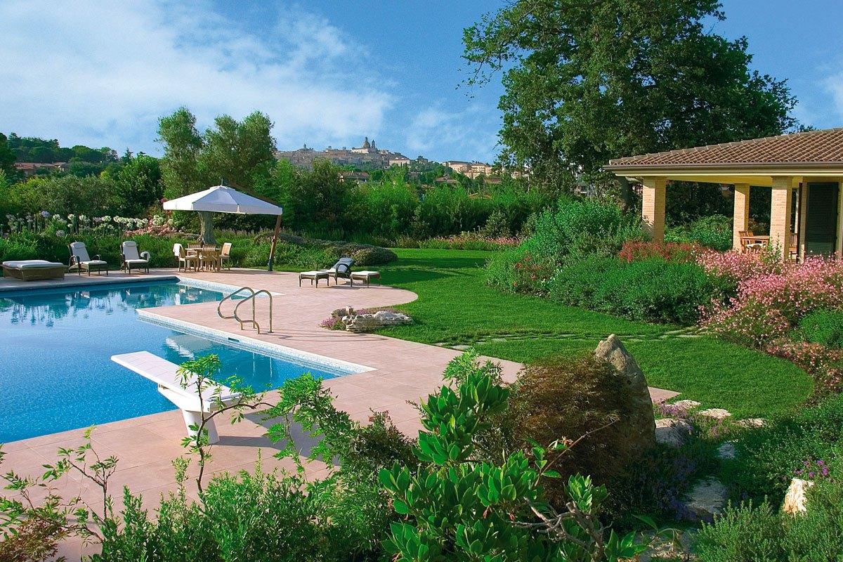Giardino con piscina progetto pellegrini def pellegrini for Piscina in giardino